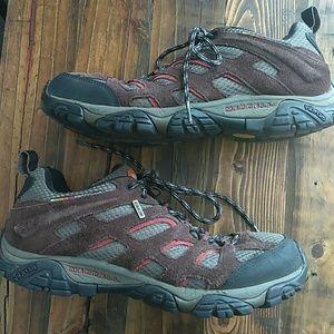 Merrell mens brown moab hiking shoe size 8.5